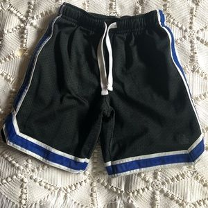 Boys size 5 polyester shorts.